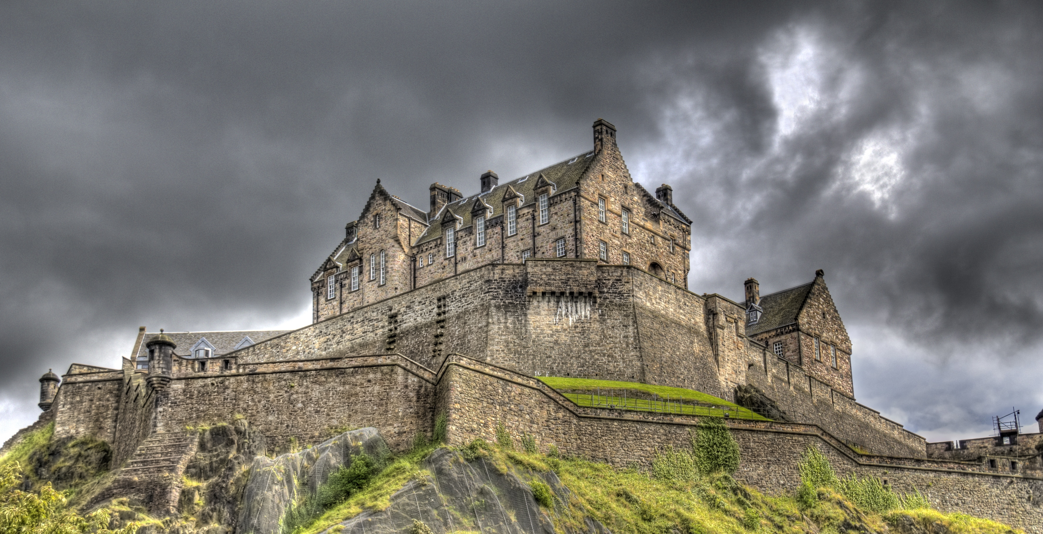 Permalink to:Edinburgh Castle